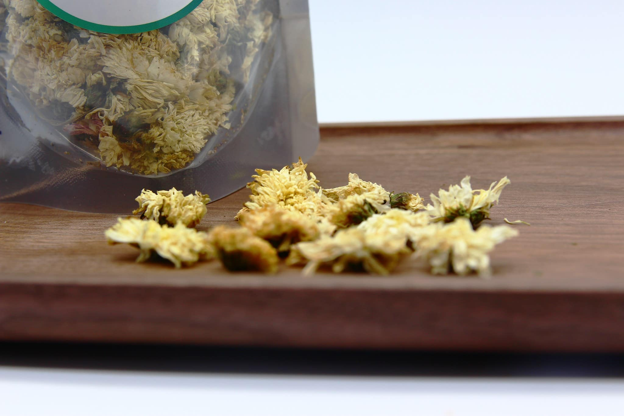 Trà hoa cúc trắng gói 100g 6