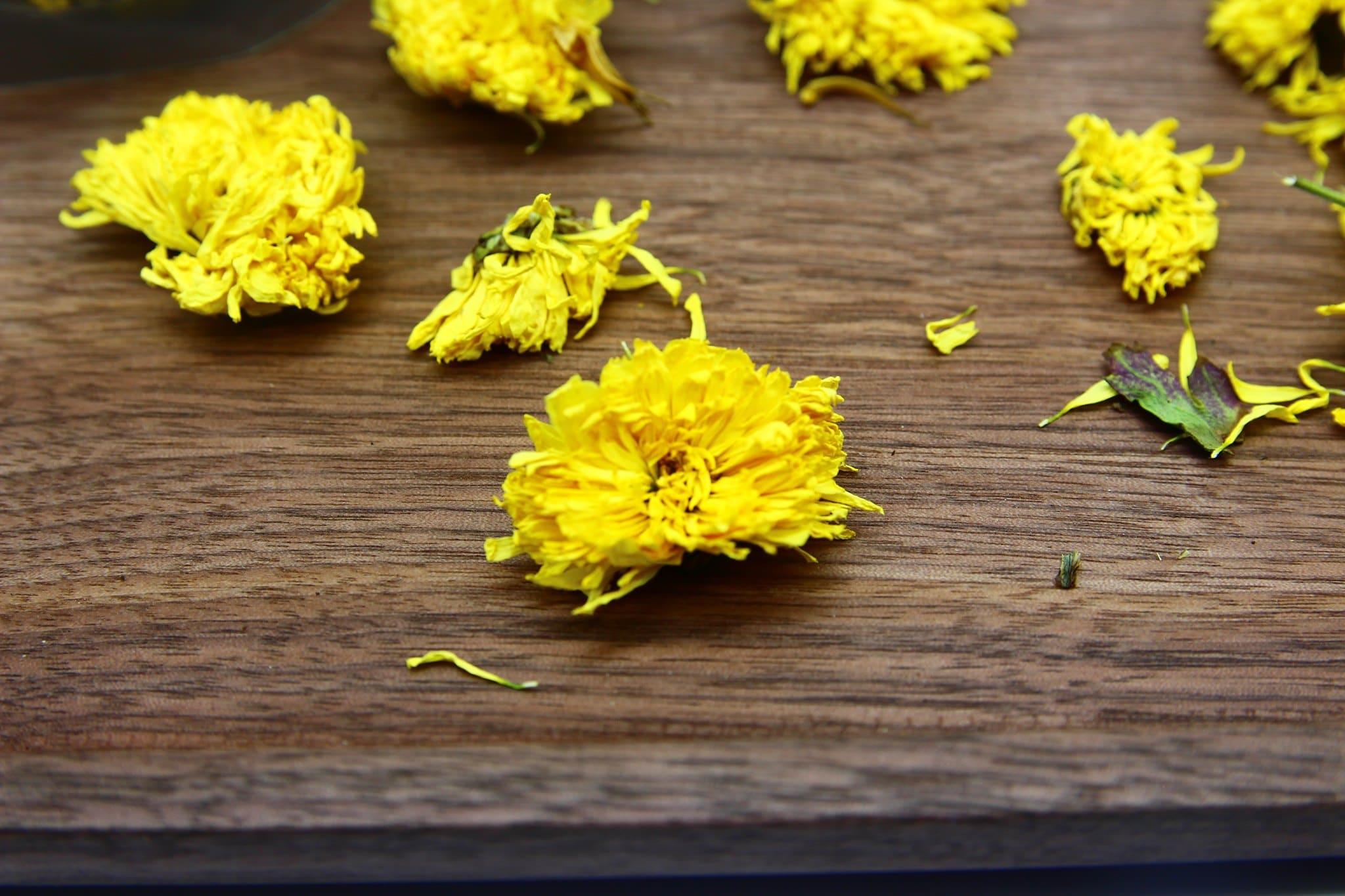 Trà hoa cúc vàng gói 100g 3